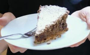 Read more about the article Bosenská torta bez múky s orechami a čokoládou